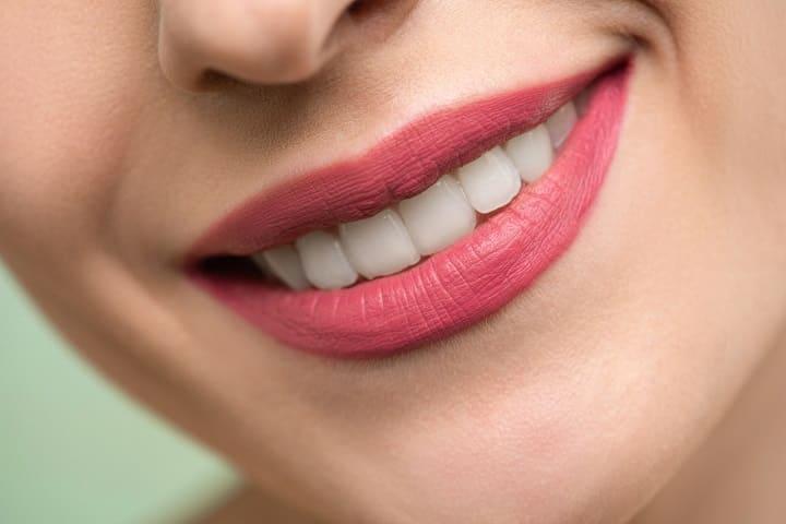 ミラブルは歯が白くなる?歯磨きしなくて大丈夫?ホワイトニング効果はある?